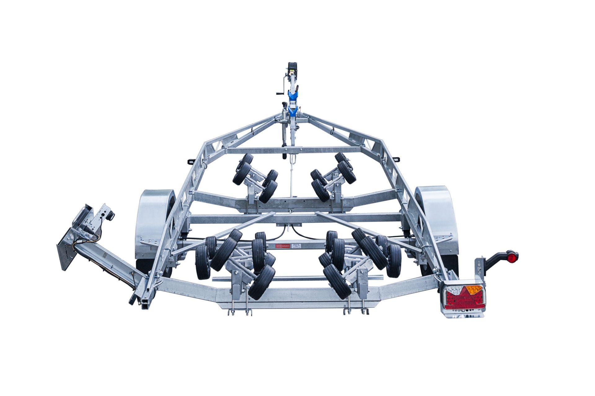 BP1800-LB Multiroller [Attēli ir informatīvi un piekabes komplektācijā var būt iekļauts papildu aprīkojums]